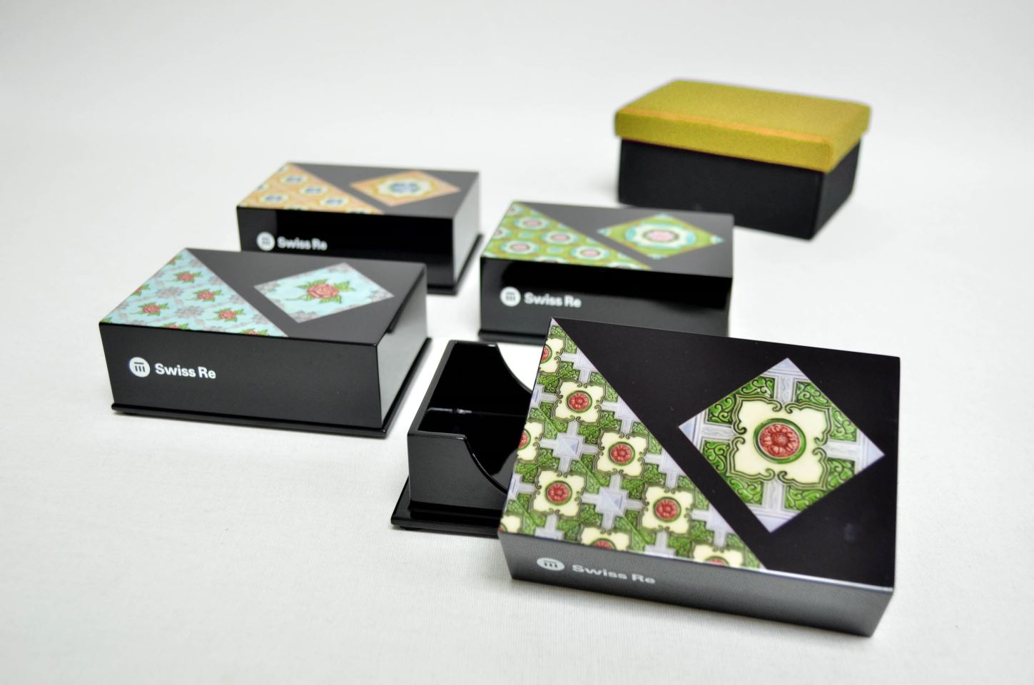 A Company Logo on Qua's Peranakan Business Card Box